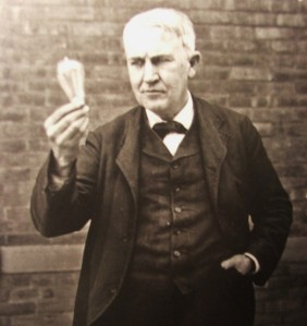 Thomas-Edison-with-lightbulb-564x598