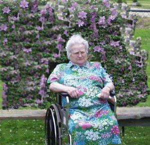 Maude Acklin (1914 - 2008)